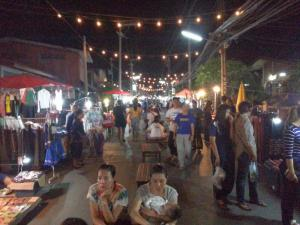 phrae-night-market03
